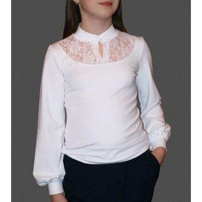 Блузка трикотажная c кокеткой из кружева